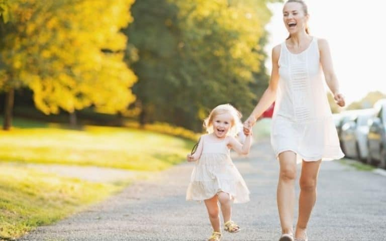 A Daily Mindful Walking Practice for Moms