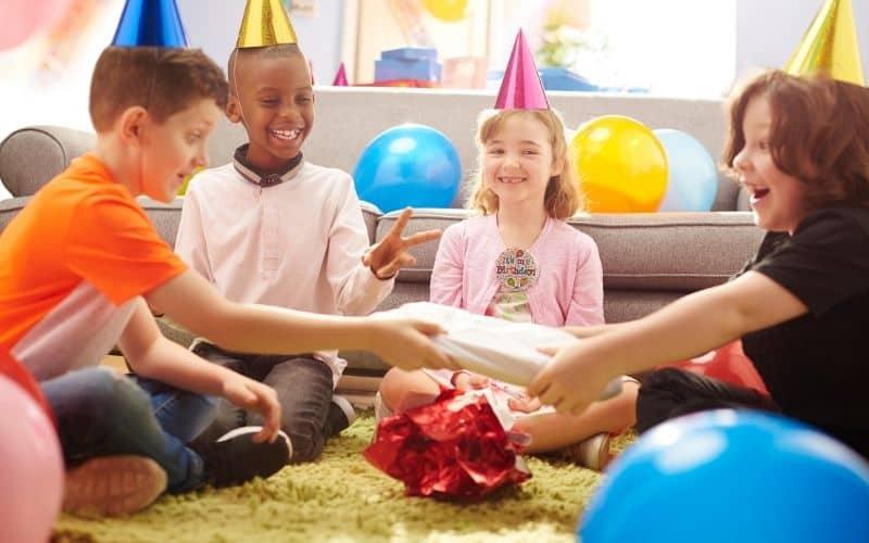 Indoor kids party games